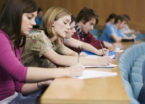英語のライティング力を上達させるにはどんな勉強法が効果的なのか?ライティングのコツややり方を紹介