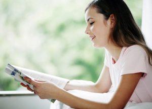 英語で音読すると学習効果はあるのでしょうか?英語の音読のやり方やコツ、ポイントを紹介